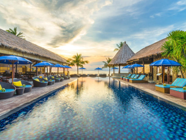 LEMBONGAN BEACH CLUB & RESORT BEACH LUXURY