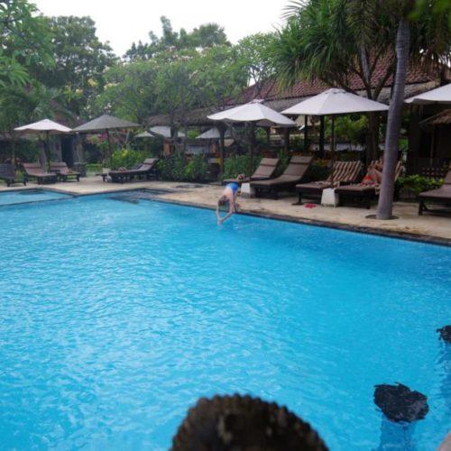 TIRTA SARI BUNGALOW HOTEL IN PEMUTERAN