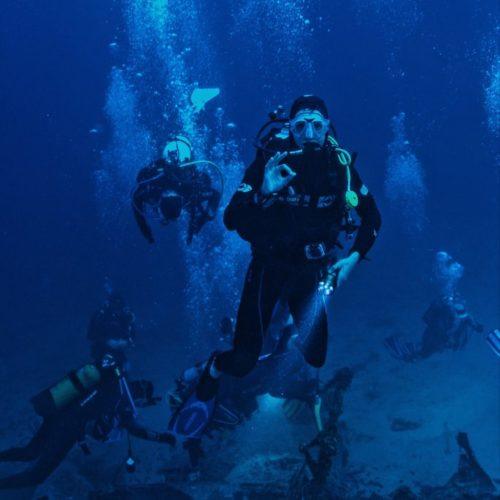 photo-people-scuba-diving-3098971